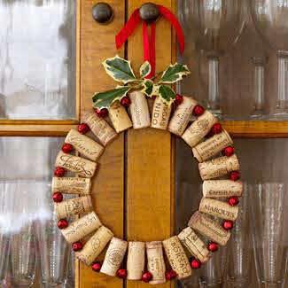 Corona de navidad con corchos