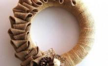 corona navideña de arpillera