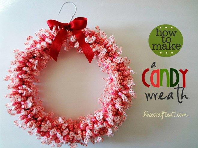 Corona navide a con dulces for Puertas decoradas navidad material reciclable