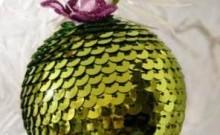 como hacer esferas de navidad con lentejuelas