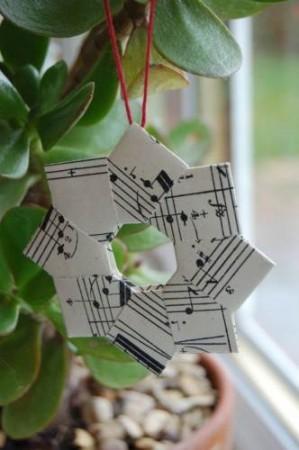 Estrellas origami de partituras