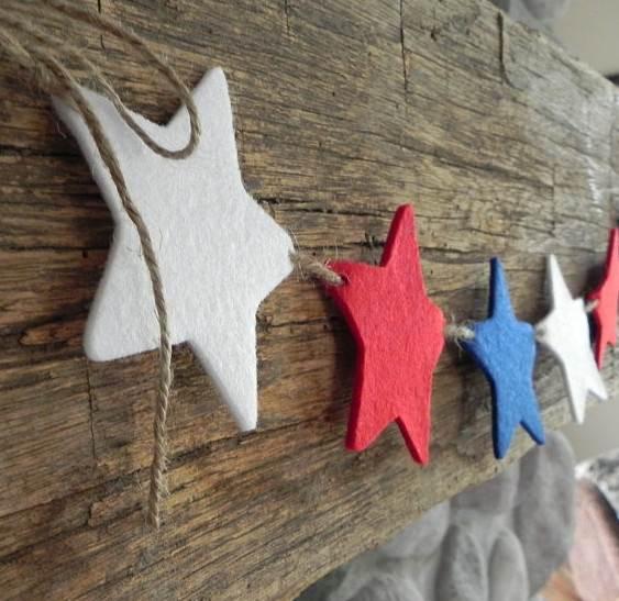 Guirnalda de navidad con estrellas de fieltro - Guirnaldas navidad manualidades ...