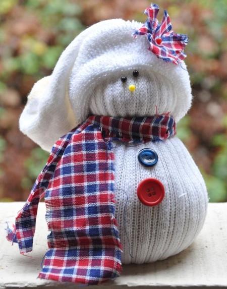 C mo hacer mu ecos de nieve con calcetines manualidades - Manualidades munecos de navidad ...